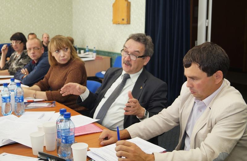 Безопасность – дело принципа. Президиум обкома обсудил работу по улучшению условий труда работников