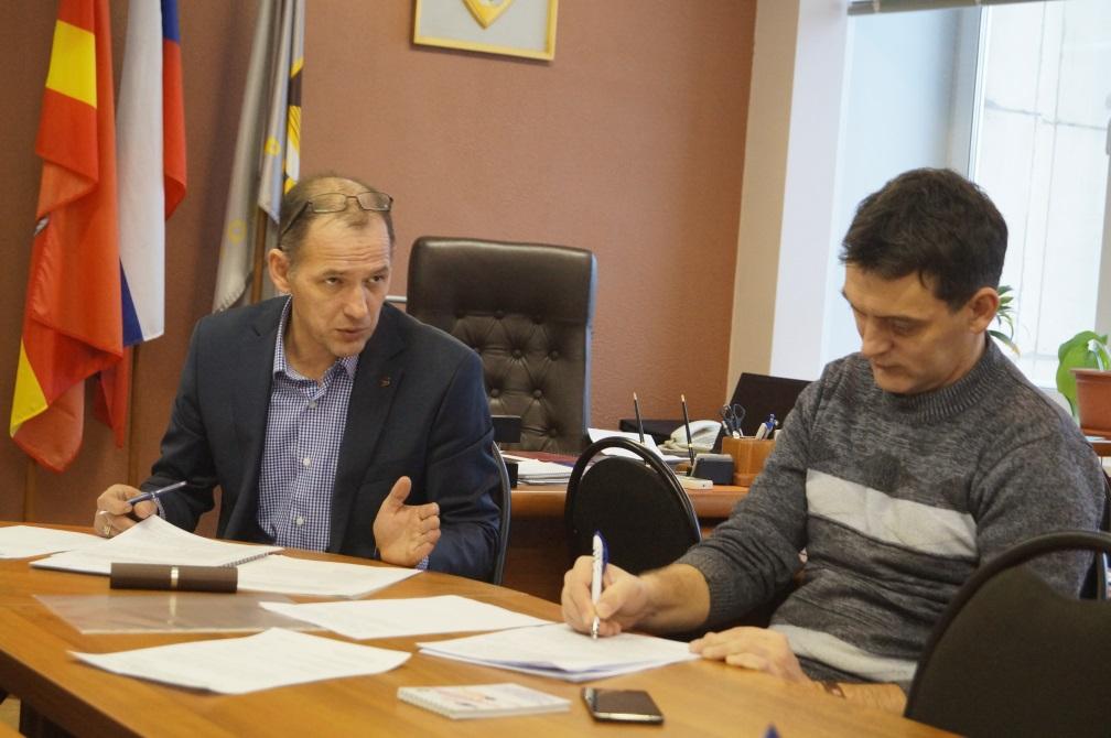 Председатель ППО ЧЭМК О. Дегтярев, председатель ППО «Запсиб» В. Печерских