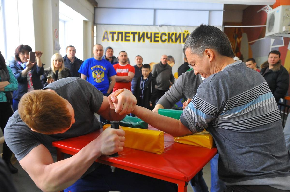 Металлурги соревновались в 3 категориях: до 75, до 85 и свыше 85 кг