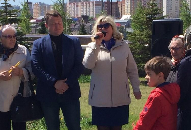 Детей и участниц конкурса приветствовали представители администрации и профкома ММК-Метиз