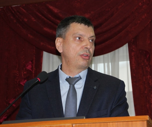 Председатель ППО Группы ММК Б. Семенов