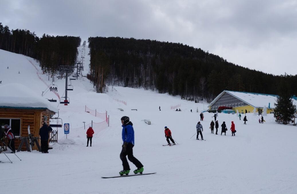 На горнолыжных трассах