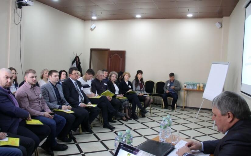 Участников семинара приветствует председатель ГМПР А. Безымянных