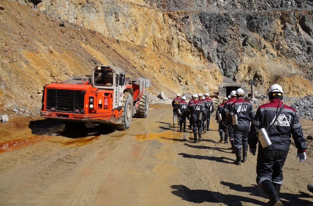Узельгинский рудник. Вход в шахту