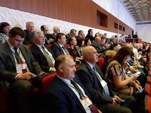Делегаты съезда – Ю. Горанов, В. Скрябин, председатель ФПЧО Н. Буяков, его зам О. Екимов