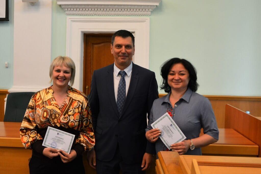 Председатель ППО Группы ММК Б. Семенов и доверенные лица членов профсоюза