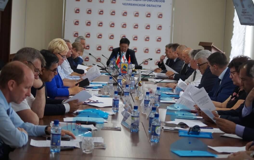 Участники заседания МОП – представители горно-металлургических профсоюзов Украины, Белоруссии, Казахстана, Кыргызстана, Таджикистана, России