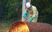 Врезаясь в сталь как в масло