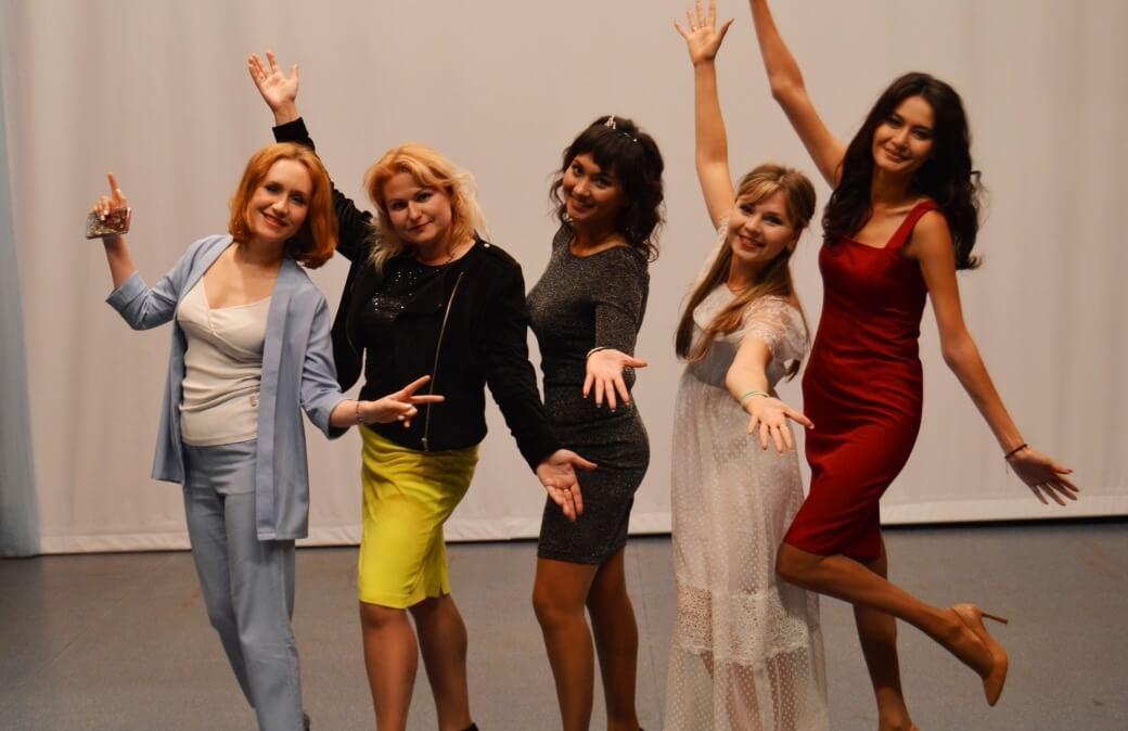 Группа участниц конкурса «Железная леди» ММК-МЕТИЗ