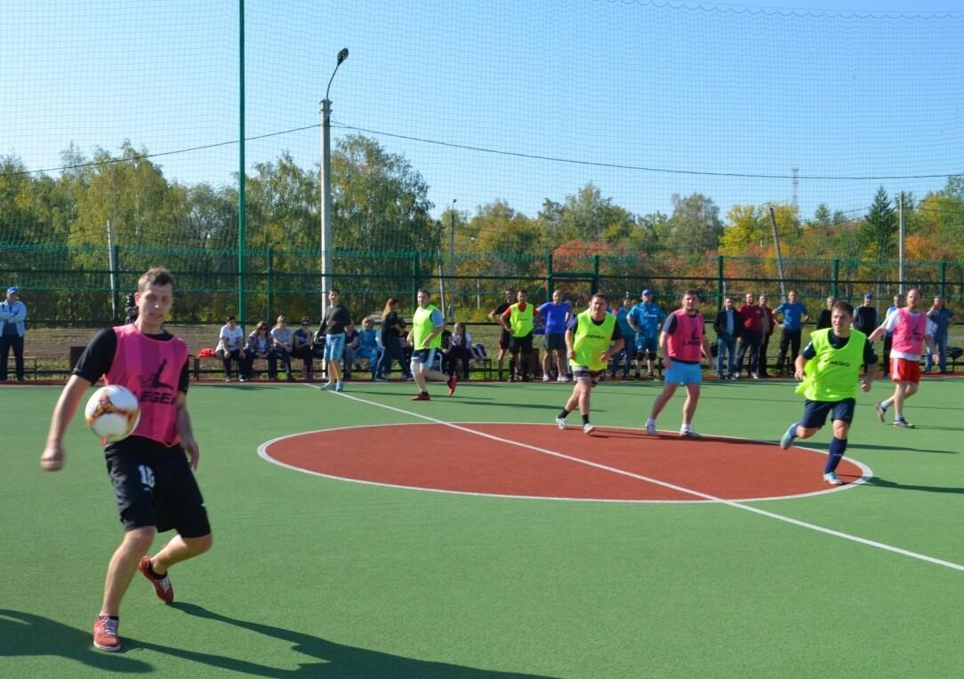 Более 100 спортсменов приняли участие в турнире «ММК-МЕТИЗ» по мини-футболу