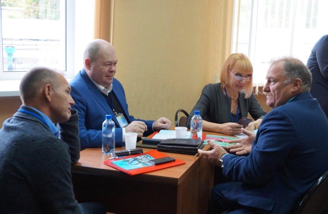Участники семинара: Олег Дегтярев (ЧЭМК), Айдар Сафиуллин (ЧМК), Оксана Арискина (Волгоград), Юрий Горанов (Челябинск)