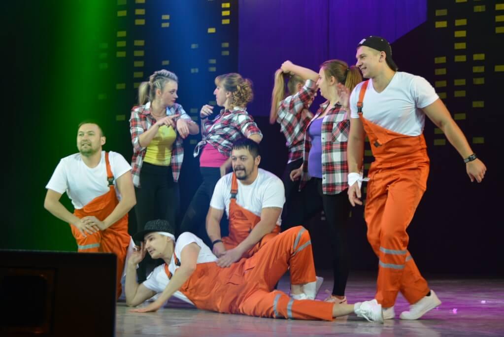 Молодежь ММК устроила танцевальную битву