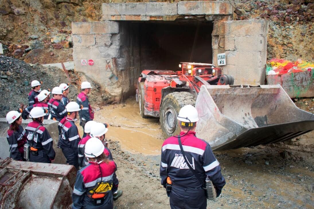 Вход в шахту. Карьер «Молодежный» Учалинского ГОКа