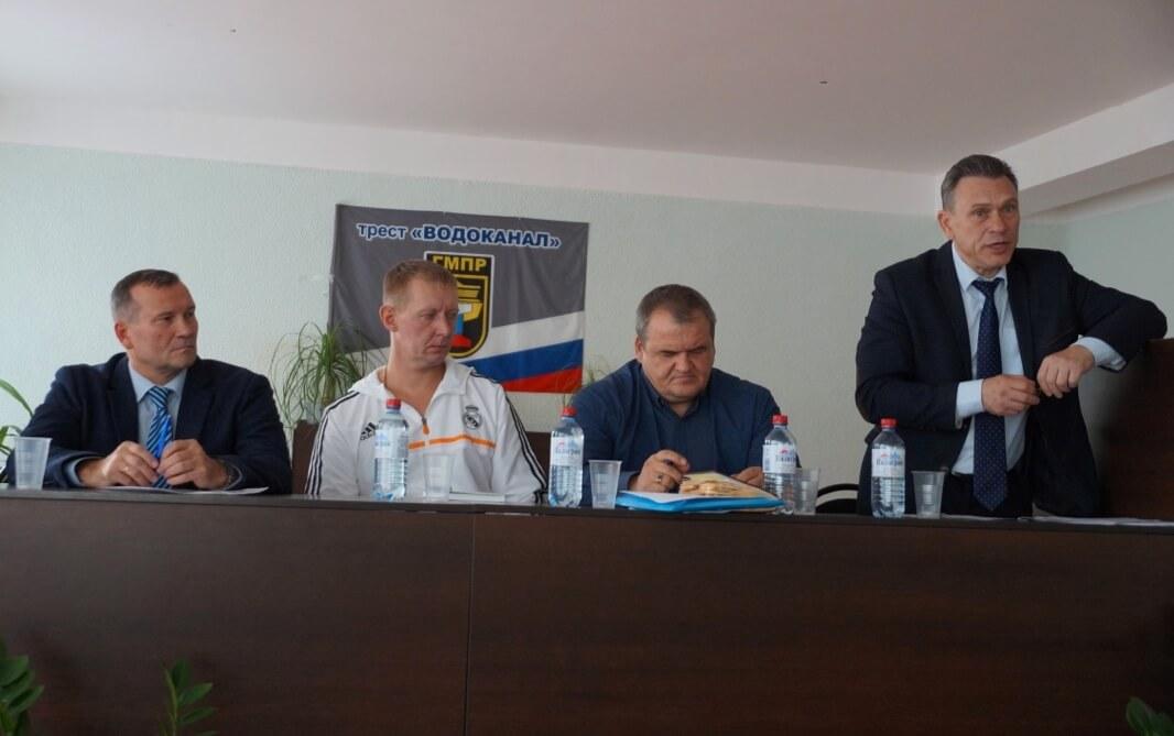 Специалист обкома Вячеслав Трошин (слева), председатель первички Андрей Мартынов (справа)