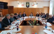 Переговоры с АМРОС приостановлены