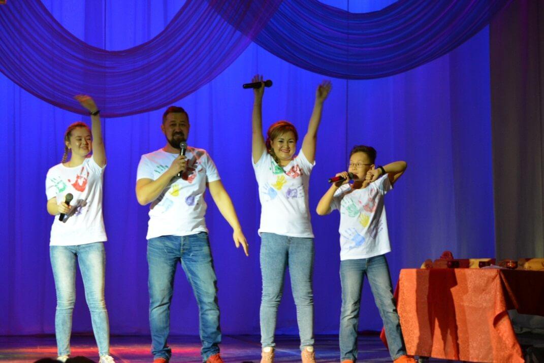 Творческое семейное выступление – один из этапов финала конкурса