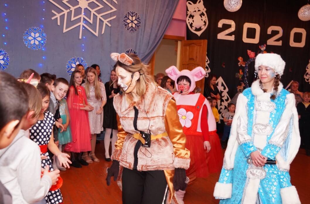 На праздник пришли около 60 детей работников «Чебачьего»