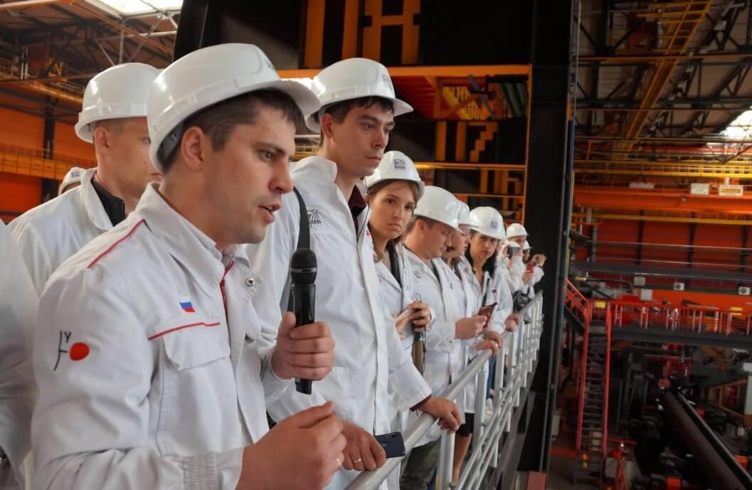 Участники молодежного форума ГМПР в цехе «Высота 239» ЧТПЗ