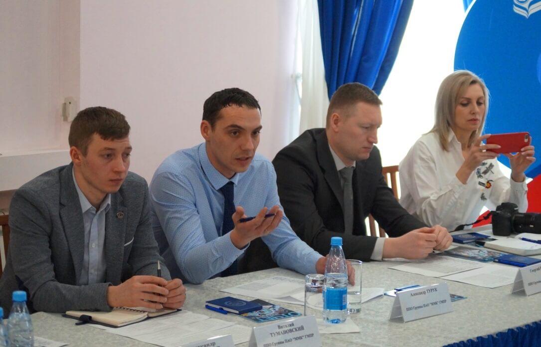 Выступает Александр Турук, доверенное лицо членов профсоюза доменного цеха ММК