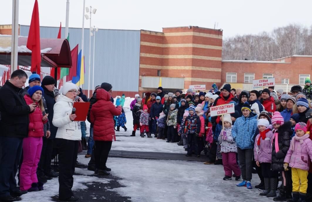 На праздник приехали более 100 спортивных семей ЧМК