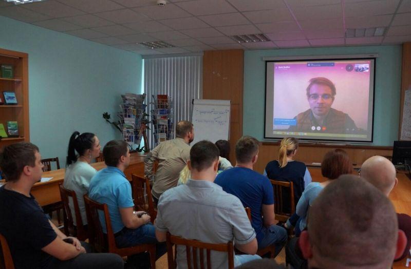 Париж на связи с участниками ШМПЛ областной организации ГМПР