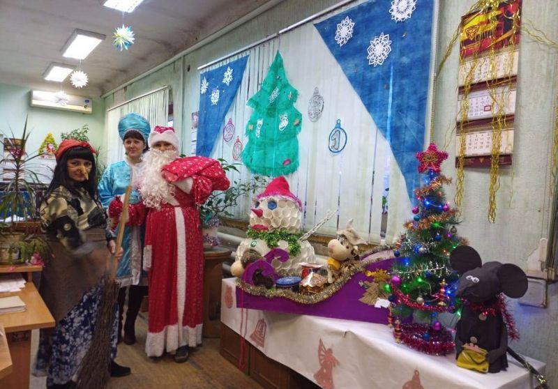 Конкурс «Новогоднее настроение» прошел на ЗМЗ накануне Нового года